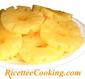 Ananas marinato