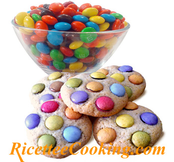 Biscotti agli smarties (M&M's Cookies)