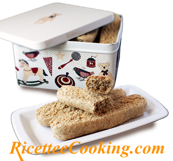 Biscotti light integrali da inzuppo