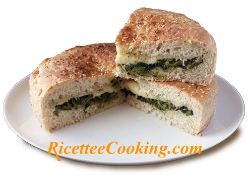Torta rustica broccoletti e scamorza