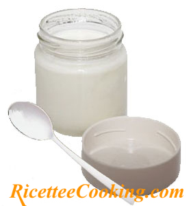 Yogurt bianco intero