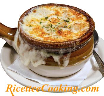 Soupe a l'oignon (Zuppa di cipolle)